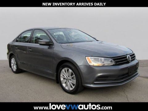 Pre-Owned 2016 Volkswagen Jetta 1.4T SE FWD 4D Sedan